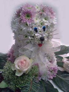 Игрушка из цветов Кошечка
